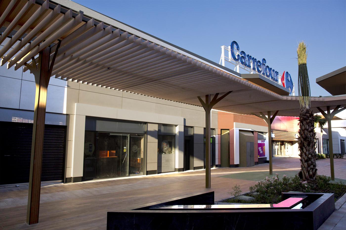 Carrefour los patios